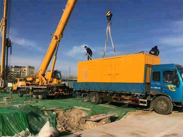 蘇州萬科工程建設租賃一台大型靜音發電機組